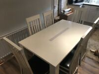 Table and chairs (gloss white)