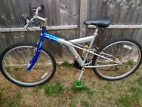 "Apollo 26er WARRANTY DELIVERY MTB Bike 18"" Shimano 21speed Combi-Shifters comfy saddle BARELY USED"