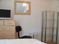 Lovely Single Room for Single Professional All Bills & Council Tax included.LEWISHAM SE137UN ZONE 2
