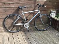 Adult aluminium Raleigh park avenue town and city bike with 21 gears
