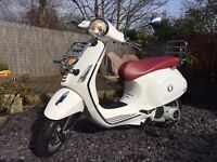 Vespa Primavera Scooter 125 ( As new, must see! Only 270 miles on the clock).