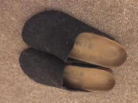 Unisex Birkenstock Charcoal Grey Felt Slippers / Indoor Shoes size 40
