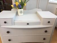 Vintage/shabby chic dresser
