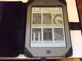 Kindle touch D01200 ( 100s of books installed )