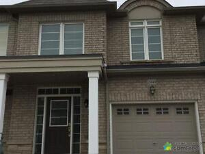 $785,000 - Townhouse for sale in Oakville