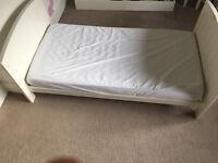 Mamas and Papas Hayworth Cot/Toddler Bed - Ivory