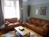 2 rooms available in 4 bed Houseshare Convenient for University and City Centre