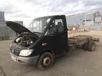 Mercedes sprinter 616cdi chasi cab van breaking spare parts available