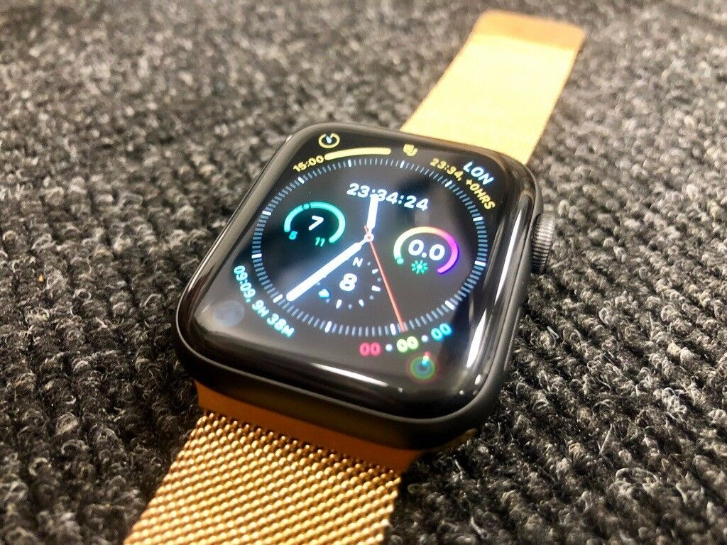 0a2046c1518 Apple Watch Series 4 - 44mm Black with gold Milanese strap - basically new
