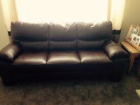 Stunning brown leather settee set