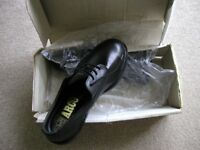 ARCO British made safety shoes, black, brand new boxed size 9
