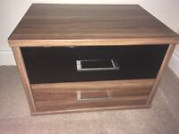2 x bedside cabinets and 2 x bedroom draws