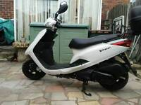 2011 yamaha vity 125, lovely condition, 7,000 miles can deliver