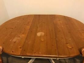 Dining room table, extendable, oval/round