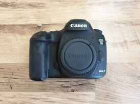 Canon EOS 5D Mark III 22.3MP Digital SLR Camera Body Only - Black