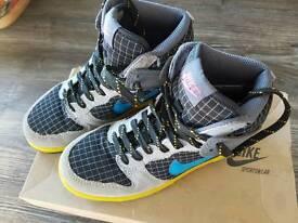 Nike boys Slam Dunk trainers like new