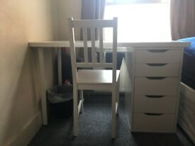 Great condition IKEA desk and a chair, white minimal design with spacious drawers
