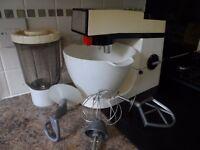 Kenwood mixer A910E plus accessories