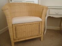 WICKER CHAIR WITH CREAM SEAT LOVELY DESIGN LIKE NEW BEDROOM/CONSERVATORY/HALL COST £120 ONLY £25