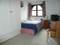 Great location,spacious room in contemporary house(Camden town)