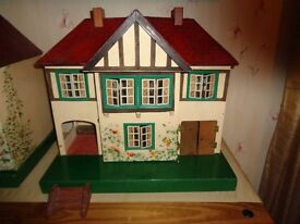 Lovely vintage Triang 61dolls house