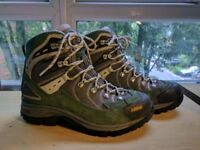 Almost new Women's Asolo hiking boots size 5.5 UK 38 EU