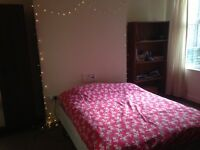 ROOM TO RENT IN SHARED STUDENT HOUSE £75 pw - available late Dec/Jan-Jul, close to universities