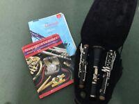 Sonata Clarinet + music stand + 2 clarinet music books