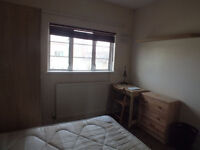 Fantastic Double Room Available Now in Limehouse - Only 4 min walk from Limehouse station