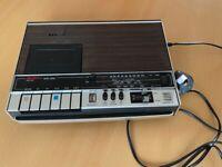 Vintage Portable Bush Radio Cassette BR8400