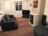 Modern furnished 2 bed house with conservatory, beautiful coniditon.