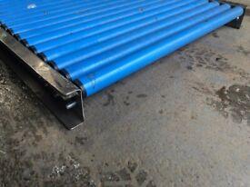 Conveyor roller table