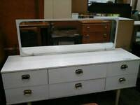 White dressing table with 6 drawers