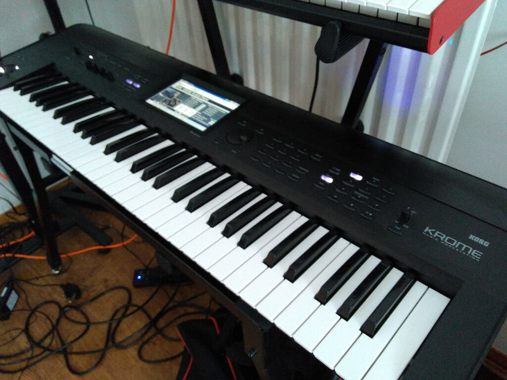 Korg Krome 61 workstation with Dan Stesco Most Wanted Leads | in Leeds,  West Yorkshire | Gumtree