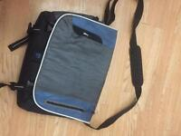 "Targus Laptop bag ( 15"" to 17"" )"