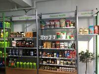 Retail shelves Unit