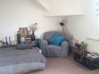 2 large double bedrooms for short term rent very near lark lane