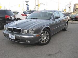 2004 JAGUAR XJ8 | Leather • Roof • Gorgeous!