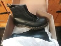 Dr Martens safety boot with air cushion sole uk size 9