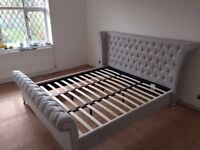 Superking Upholstered buttoned bed