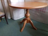 Excellent Condtion Solid Wood Dining Table