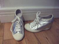 Very Petit Shoes, UK sizes 2-3