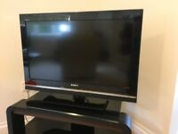 "Sony Bravia TV 32""; LCD digital Colour HD;"