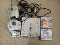 SEGA Dreamcast Console, all Wires, Two Controllers, 2 VMU, Sonic Adventure, Soul Calibur