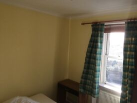 Lovely Double Bedroom to rent in Victor Park Terrace, Corstorphine.