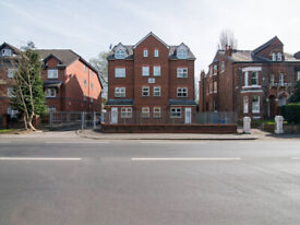 Short Term Spacious 2 Bed Apt in Whalley Range suitable for large family & Contractors