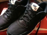 Nike Air- Nike Vibenna Size 6- Black WORN ONCE RRP:£75