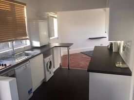 ***GEORGE LANE*** MODERN TWO BEDROOM APARTMENT TO RENT ONLY 2MINS TO SOUTH WOODFORD STATION E18 1AN