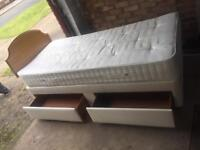 Single divan bed with 2 drawers and mattress