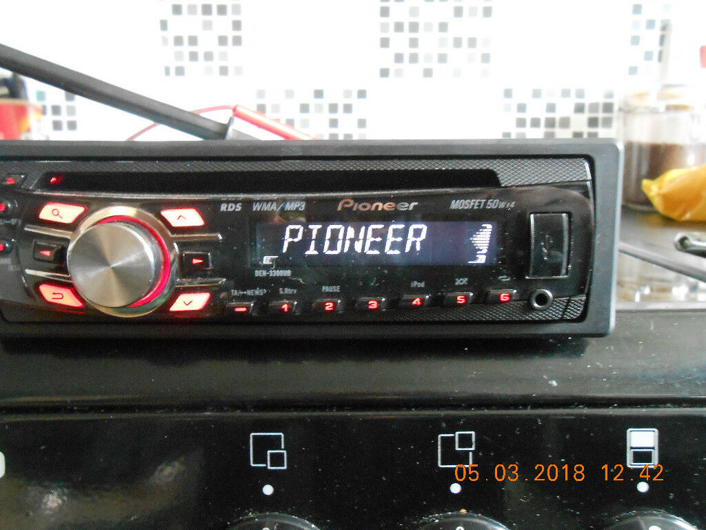 pioneer mosfet 50wx4 radio aux port cd player mp3 wma. Black Bedroom Furniture Sets. Home Design Ideas